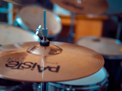 Wil je léren drummen of kúnnen drummen
